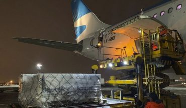 """Argentina Airlines flight from Russia with more vaccines is delayed, but would bring a """"very important shipment"""" of Sputnik V"""