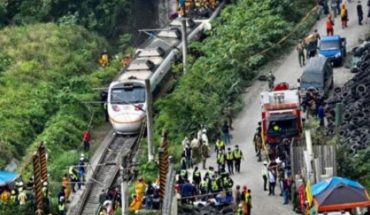 At least 48 killed when three derailed in Taiwan