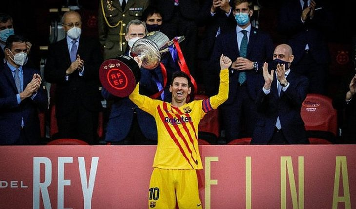 Barcelona is crowned Champion of the Copa del Rey with a goal against Athletic Club