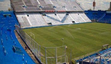 Investigate a clandestine party of the Barrabrava de Vélez at the club