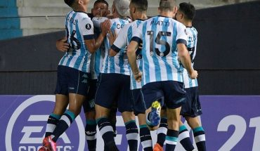 Racing suffered and with one less defeated Sporting Cristal 2–1