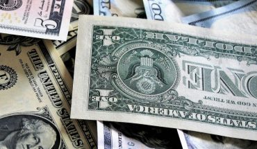 The price of the dollar goes down today Sunday, April 11, 2021