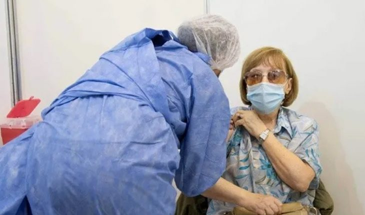 Vaccination for over 70 in CABA: on the first day 108,000 people were packed