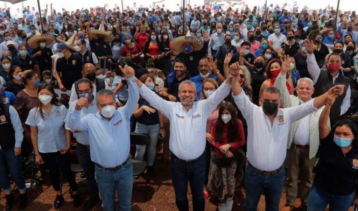Alfredo Ramírez Bedolla se reúne con Trabajadores de Salud