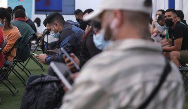 Autoridades de salud señalan que migrantes que viven en Chile se deben vacunar como cualquier residente