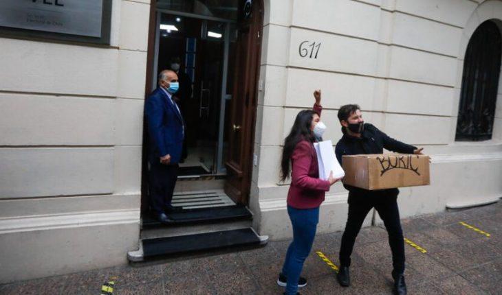 """Boric inscribió su candidatura presidencial: """"Estamos disponibles a primarias amplias con quienes quieren transformaciones"""""""