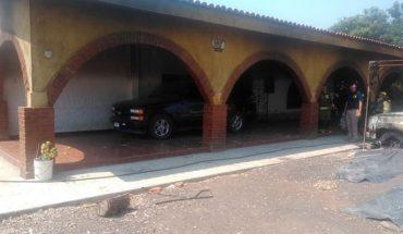 Grupo armado irrumpe en Atacheo, Michoacán quema casa y dos camionetas