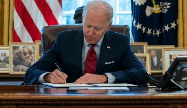 Joe Biden levanta sospechas al ser visto con mascarilla de nuevo