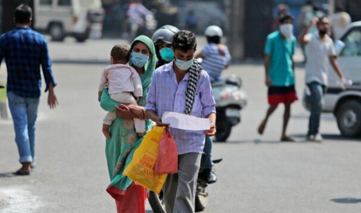 La India supera por primera vez la barrera de las 4 mil muertes diarias por coronavirus