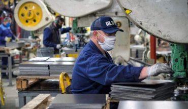 La actividad económica aumentó 11,4% interanual en marzo, pero cayó respecto a febrero