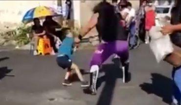Luchador Einar El Vikingo es detido por lanzar al suelo a un niño de 5 años durante función