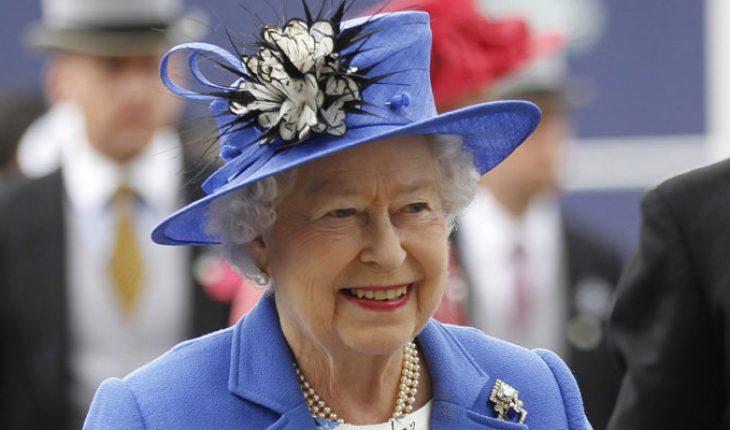 Niña de 5 años escribe a la reina Isabel II en apoyo tras la muerte del príncipe Felipe; la reina le responde