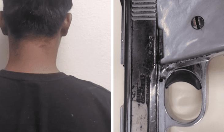 Policías detienen a dos personas con armas de fuego en Mazatlán