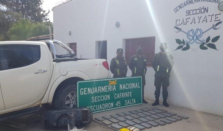 Salta: detiene a una pareja que viajaba con 42 kilos de cocaína