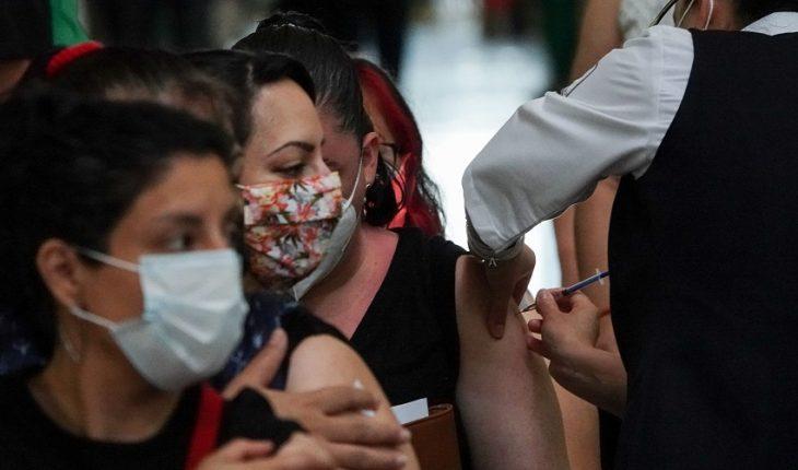 Suman 253 muertes COVID; 69% de vacunados, con esquema completo