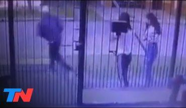 Asaltaron a dos chicas y les sacaron hasta la ropa: les robaron las zapatillas y los buzos