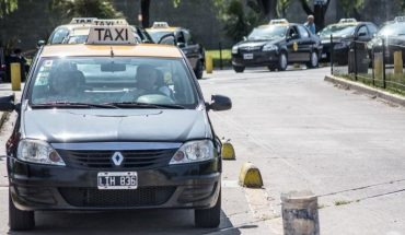 A woman started labor in a taxi and was escorted by police