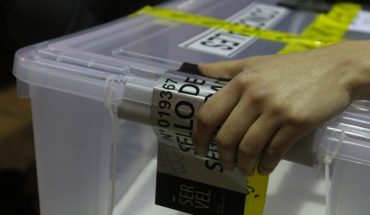 End of first election day: After the closure of the polling stations, ballot boxes and election material were sealed and stored