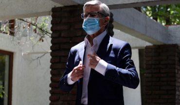 Joaquín Lavín proposed a 100,000 peso bonus to spend alone on SMEs