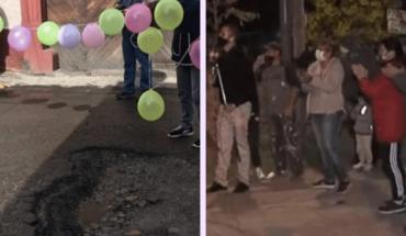 "Unusual: Berazategui's neighbors did the ""15th birthday"" to a pothole"