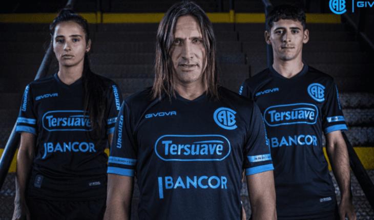 Belgrano recordó el histórico ascenso ante River con una camiseta especial