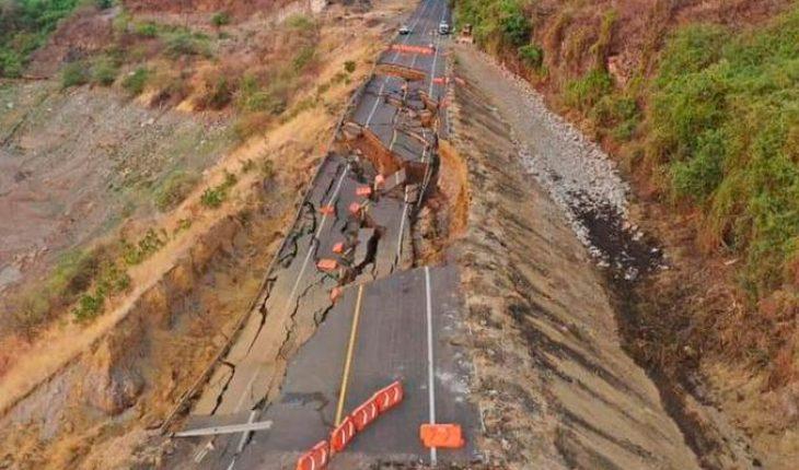 Continúa investigación de deslave de autopista Siglo XXI