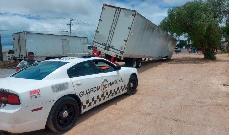 Elementos de la GN hallan tráiler con cartuchos robado en Guanajuato
