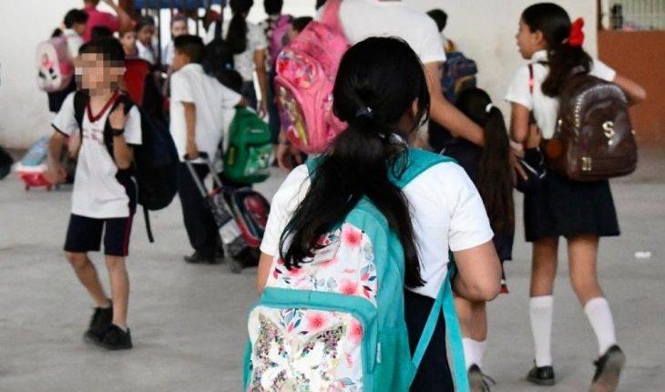 Madres de Salvador Alvarado piden que alumnos sean vacunados