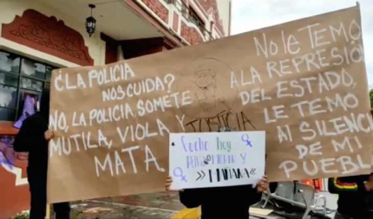 Médicos protestan en Pachuca por muerte de doctora detenida por policías