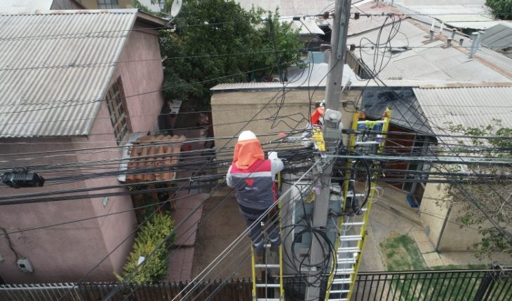 Plan de Construcción VTR 2021 avanza y conecta 16 comunas con fibra óptica