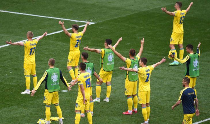 Ucrania derrotó 2-1 a Macedonia del Norte y se metió en la pelea por octavos
