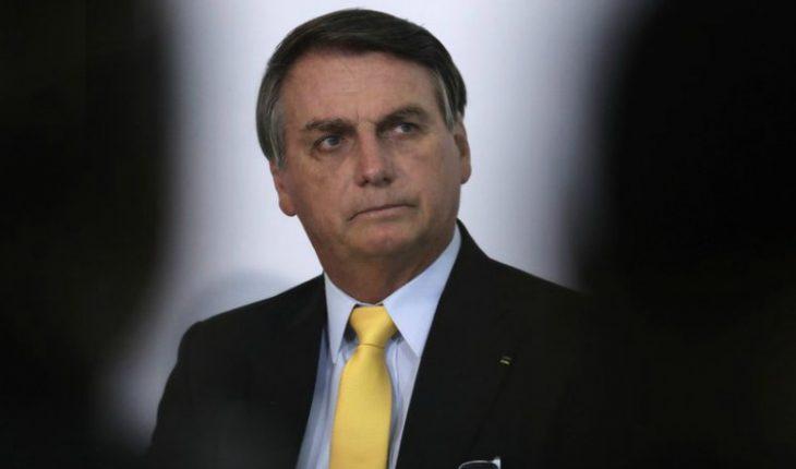 """[VIDEO] """"Una porquería"""": Bolsonaro insultó a periodistas que le preguntaron por los 500 mil muertos de la pandemia"""