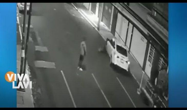 Les pasa el auto por encima   Vivalavi