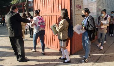 CDMX confirms third student with COVID to a week of school opening