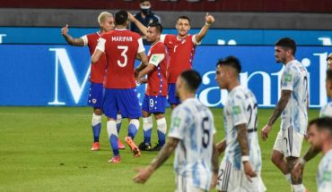 Chile drew 1-1 with Argentina and remains in the middle of the table