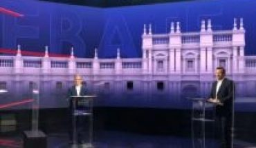 Denying the government, without mentioning Piñera and pejoratively endosing Larroulet, the candidates of Chile Vamos had a first debate where no one moved from their script