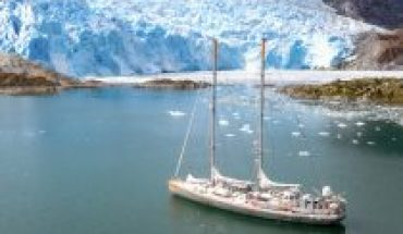 Scientific sailboat TARA said goodbye to the Chilean coasts to continue researching on climate change