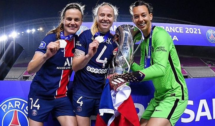 Tiane Endler was chosen as the goalkeeper of the ideal 11 of the French Women's Championship