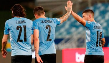 Uruguay defeated Bolivia 2-0 and entered the quarterfinals of the Copa America