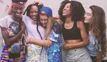"""We spoke to the cast of """"Betty"""" about women in the world of skateboarding"""