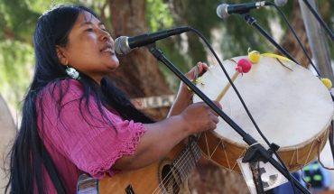 Cristina Paredes, la cantante que apuesta por un folclore inclusivo y feminista