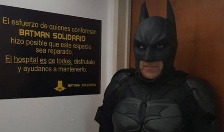 El Batman solidario de La Plata denunció que le robaron el celular y dejó una profunda reflexión al respecto
