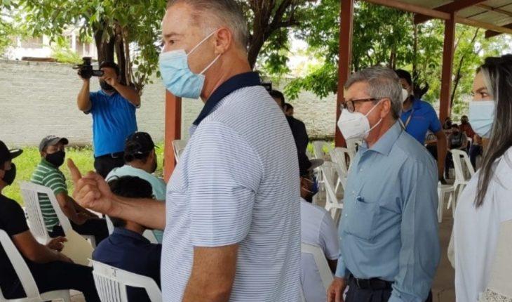 Quirino Ordaz supervisa vacunación Covid-19 en Escuinapa