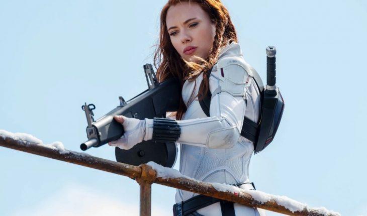"""Scarlett Johansson demanda a Disney tras el estreno de """"Black Widow"""""""