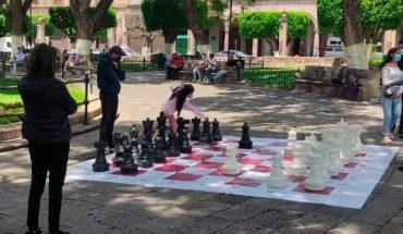 SeCultura organiza talleres educativos de ajedrez y jenga gigantes