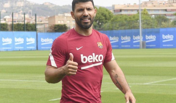 Sergio Agüero adelantó su vuelta de las vacaciones y se sumó al Barcelona