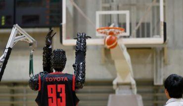 robot basquetbolista asombra en los JJ.OO. Tokio 2020 — Rock&Pop