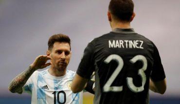 """Dibu Martínez: """"When I played with Messi I became Super Saiyan"""""""