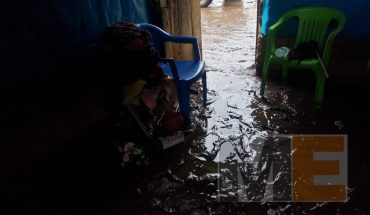 It overflows river in Tacuro; water and mud sweep away everything in its path