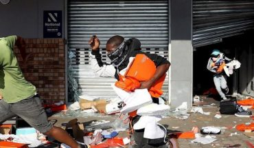South African riots add 72 dead after 5 days of protests